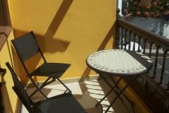 Terrasse mit Bistrotisch